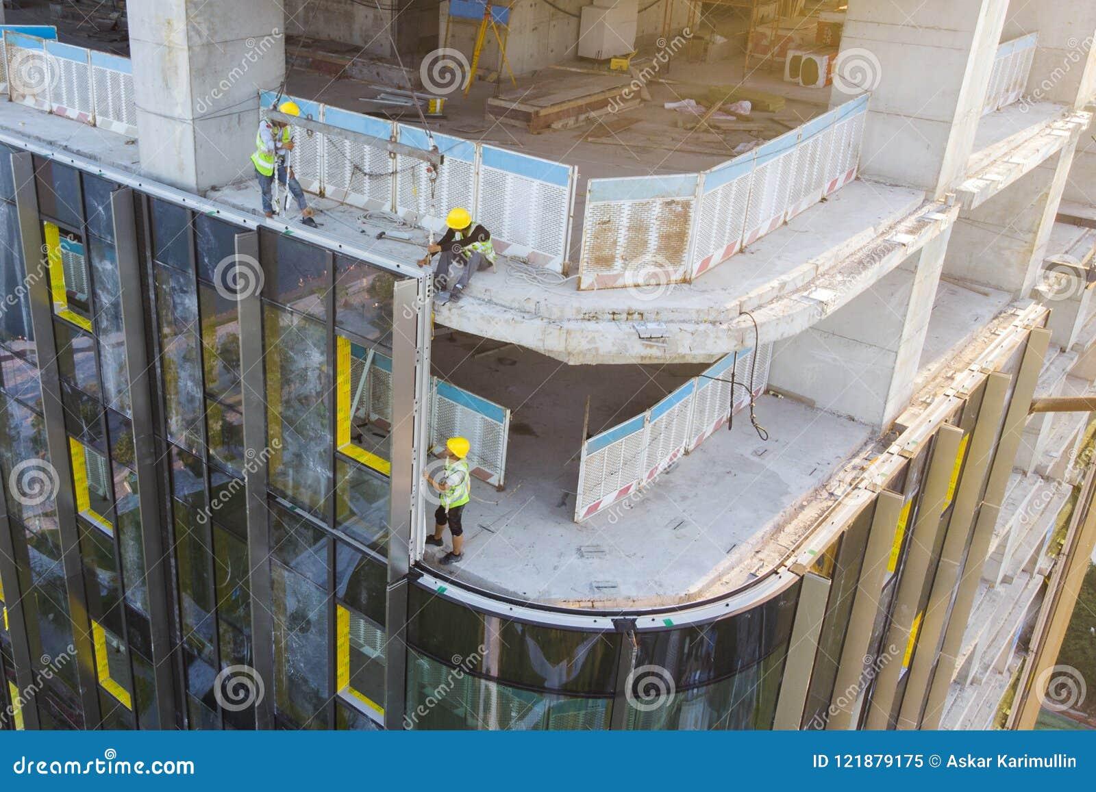 Revestimento da fachada da construção