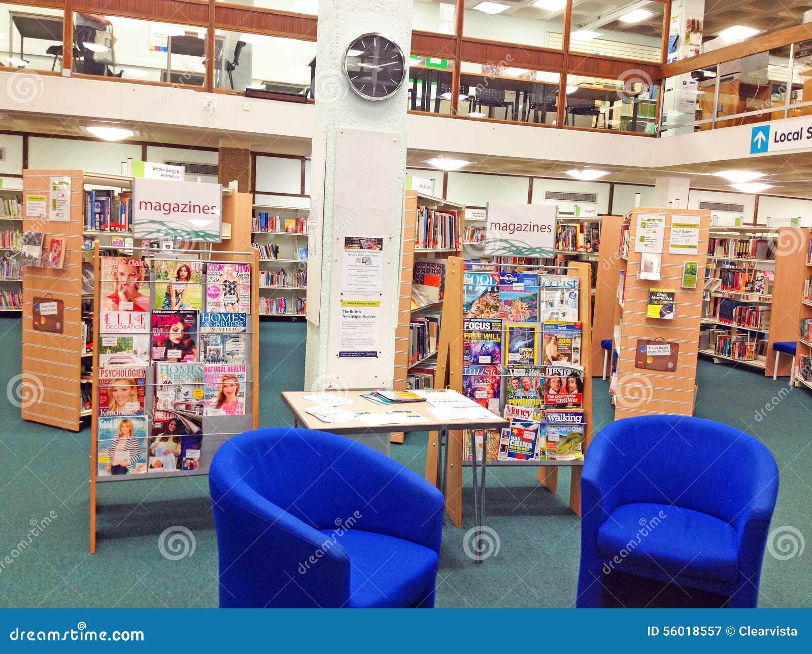 Revistas para leer adentro una biblioteca pública