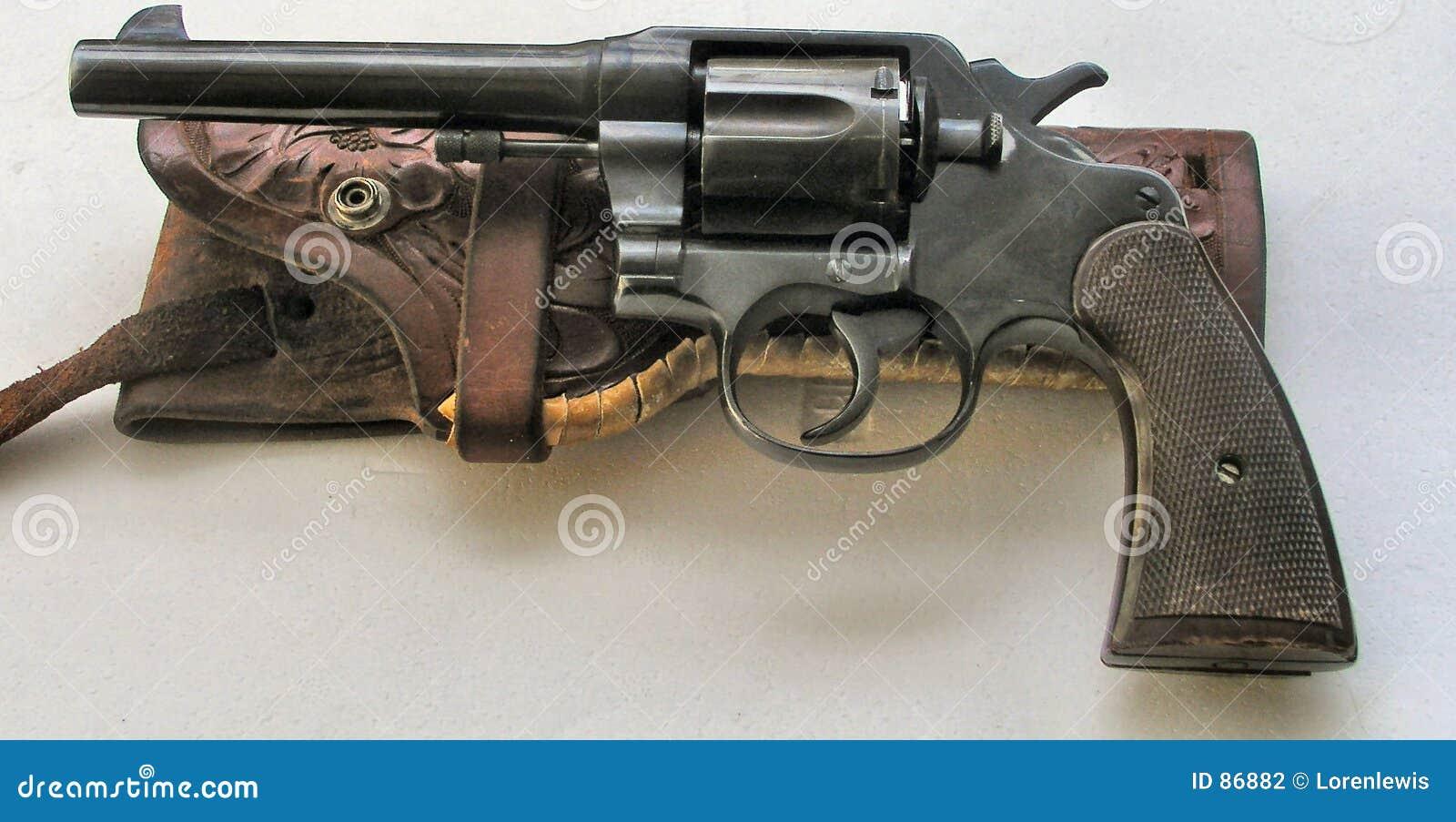 Revolver et étui occidentaux