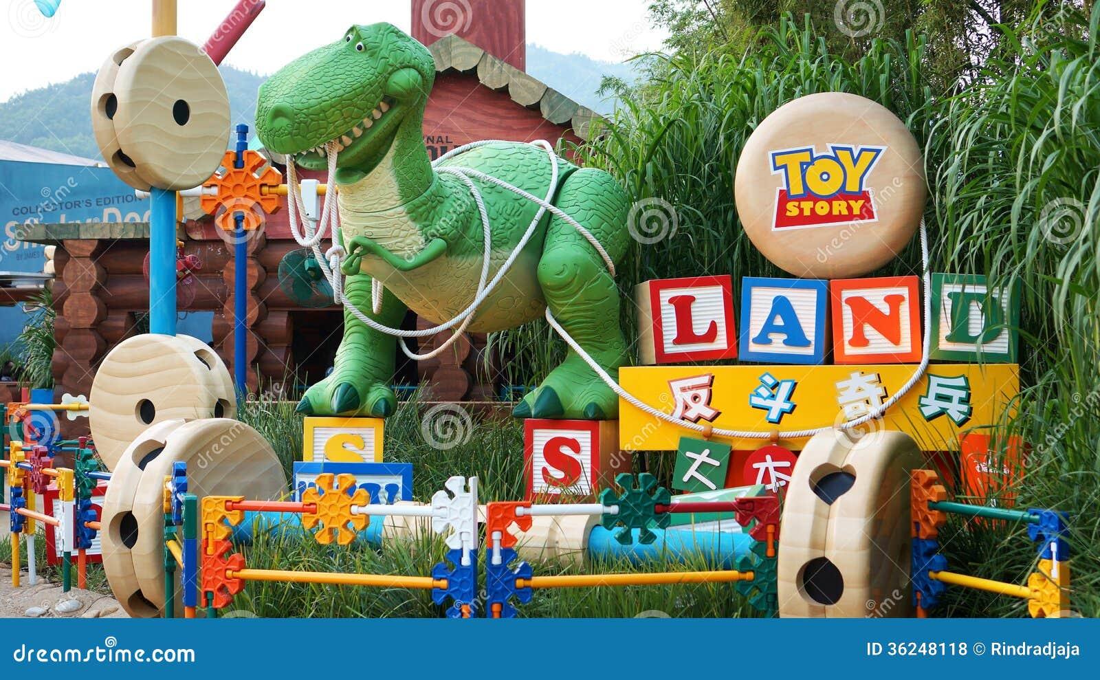 Rex przy wejściem Toy Story ziemia w Hong Kong Disneyland