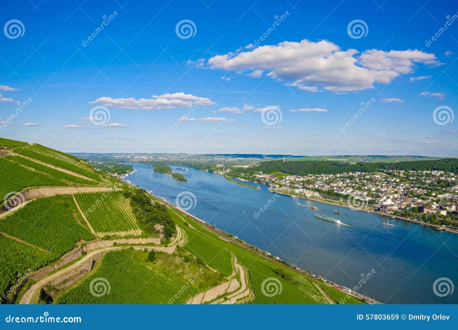 Rhine River nära Bingen f.m. Rhein, Rheinland-Pfalz, Tyskland