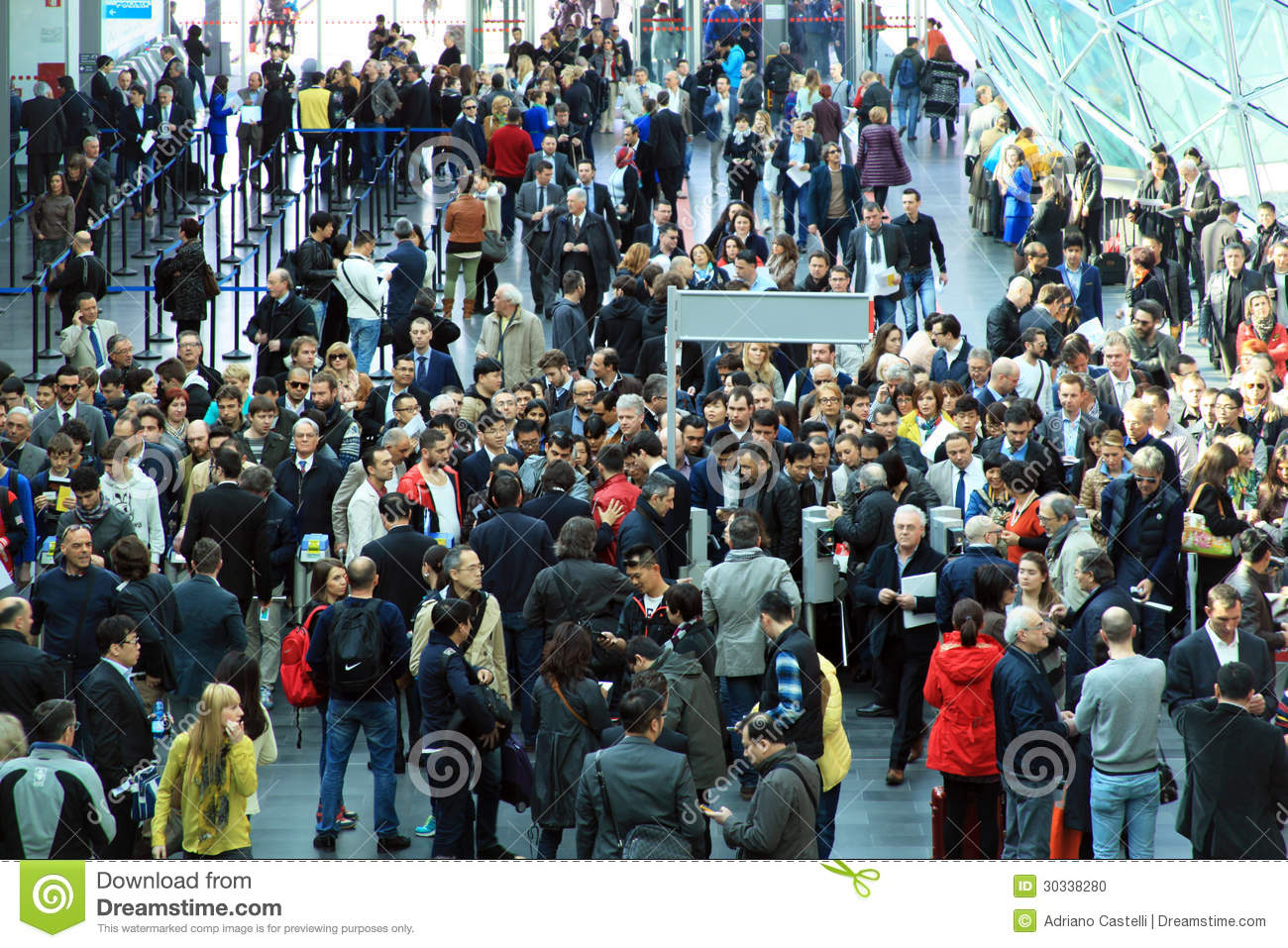 Rho fiera people crowd editorial image image 30338280 for Rho fiera salone del mobile