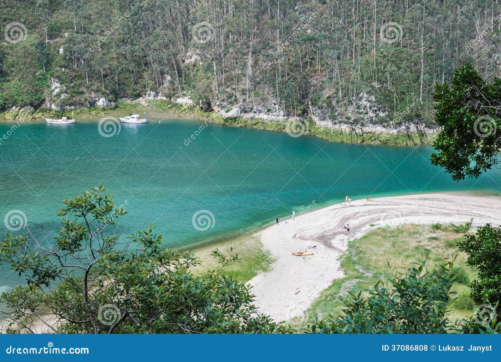 Download Ria Tina Nieletni. Nansa Rzeczny Usta. Municitabria.pality Val De San Vincente, Cantabria, Zdjęcie Stock - Obraz złożonej z morze, coastline: 37086808