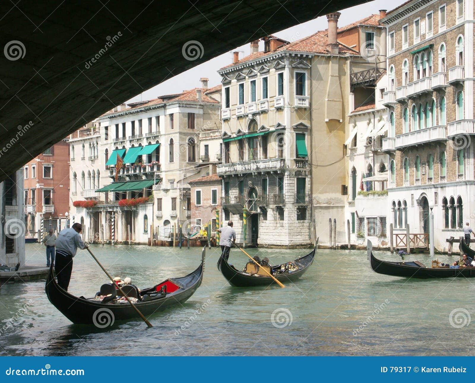 Rialto Brücke und großartiger Kanal