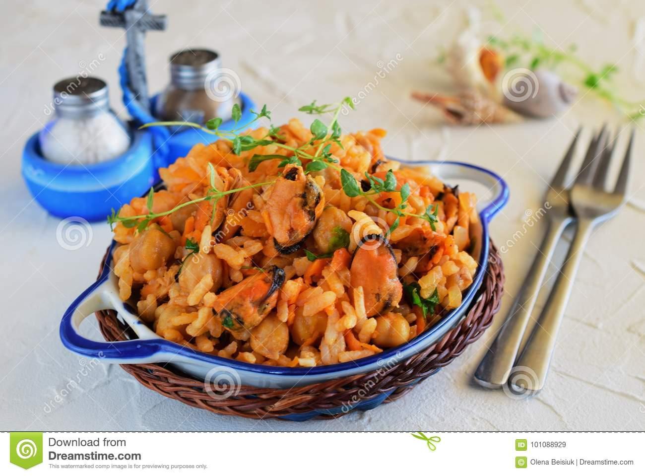 Fried rice with mussel, carrot and onion
