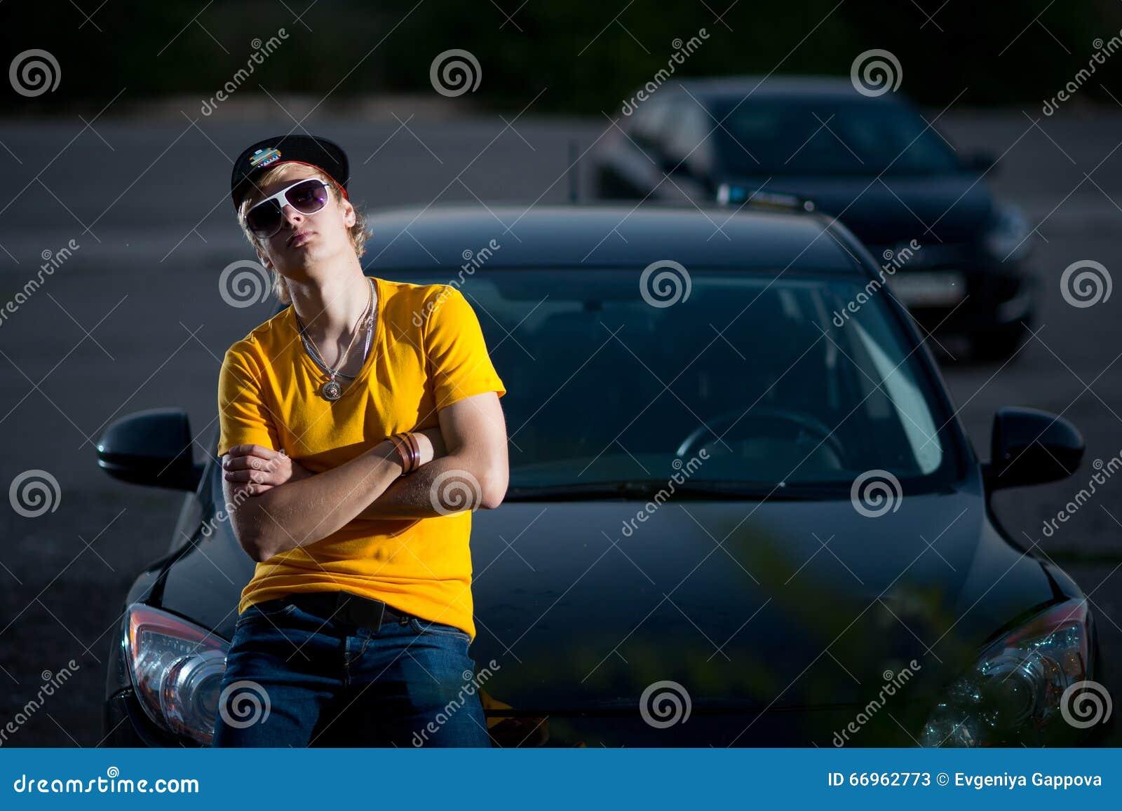 Superbe A Rich Guy In A Car, Cool Dude