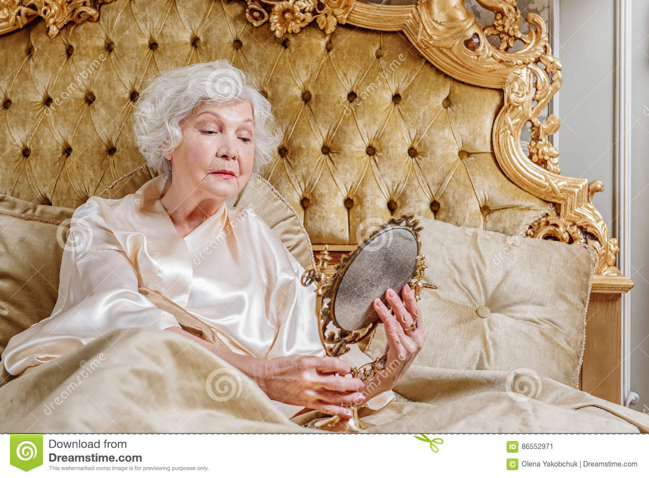 rich-old-woman-suffering-aging-my-youth-