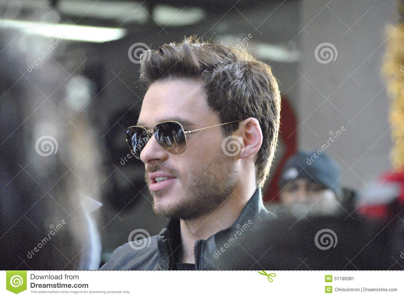 richard-madden-new-york-city-new-york-march-fans-wait-anxiously-can ...