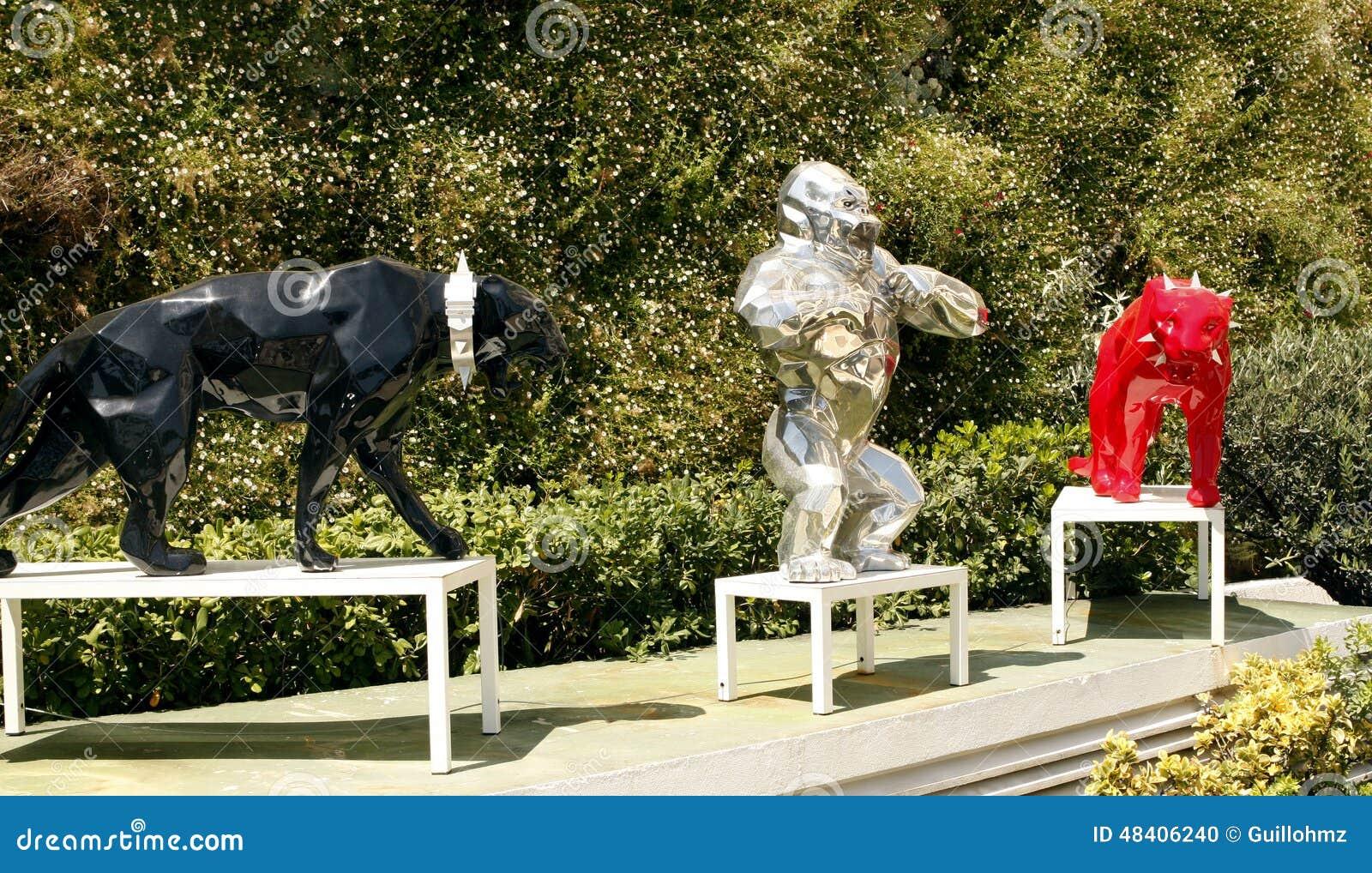 richard orlinski sculptures cannes editorial image image 48406240. Black Bedroom Furniture Sets. Home Design Ideas
