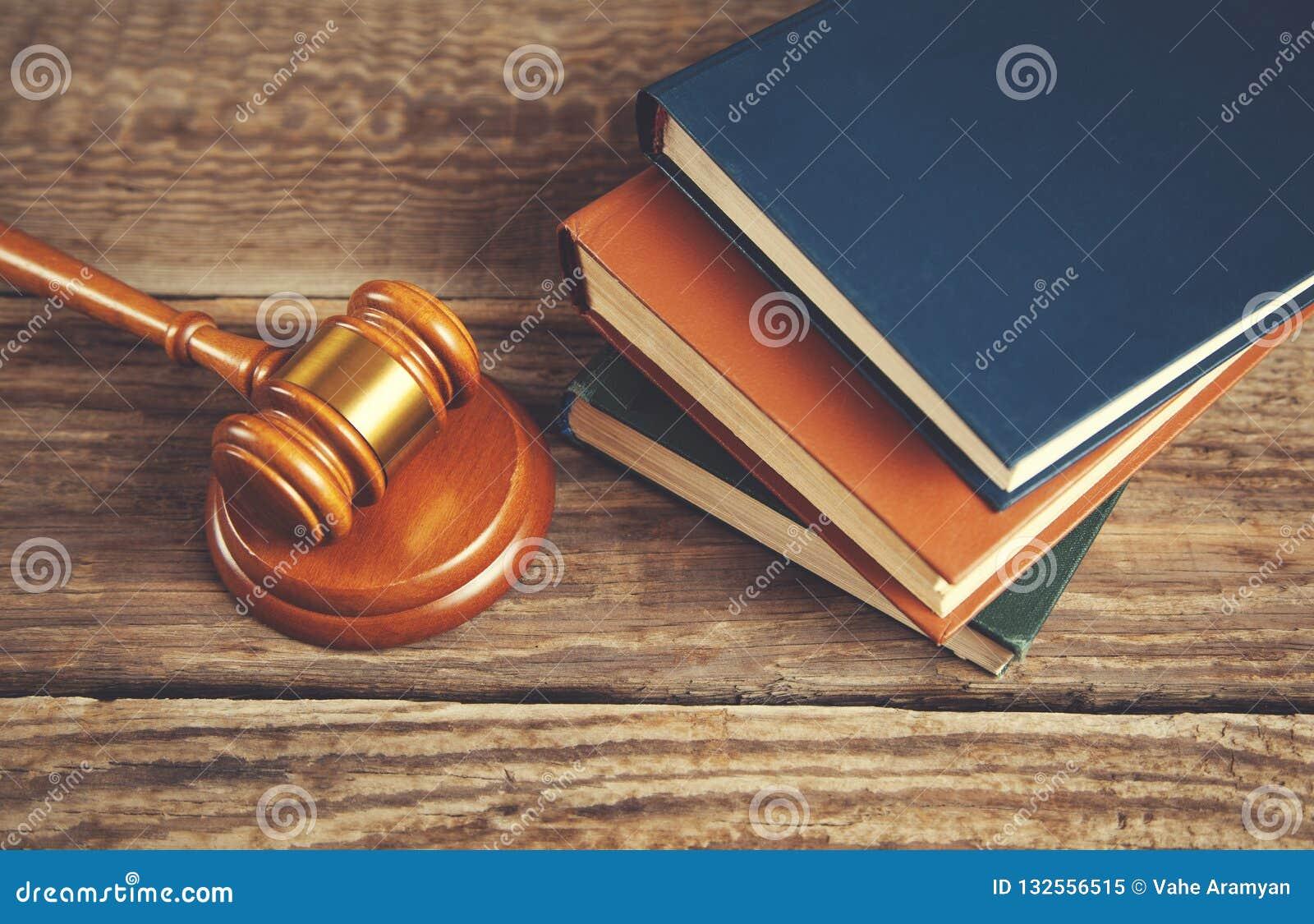 Richter und Bücher