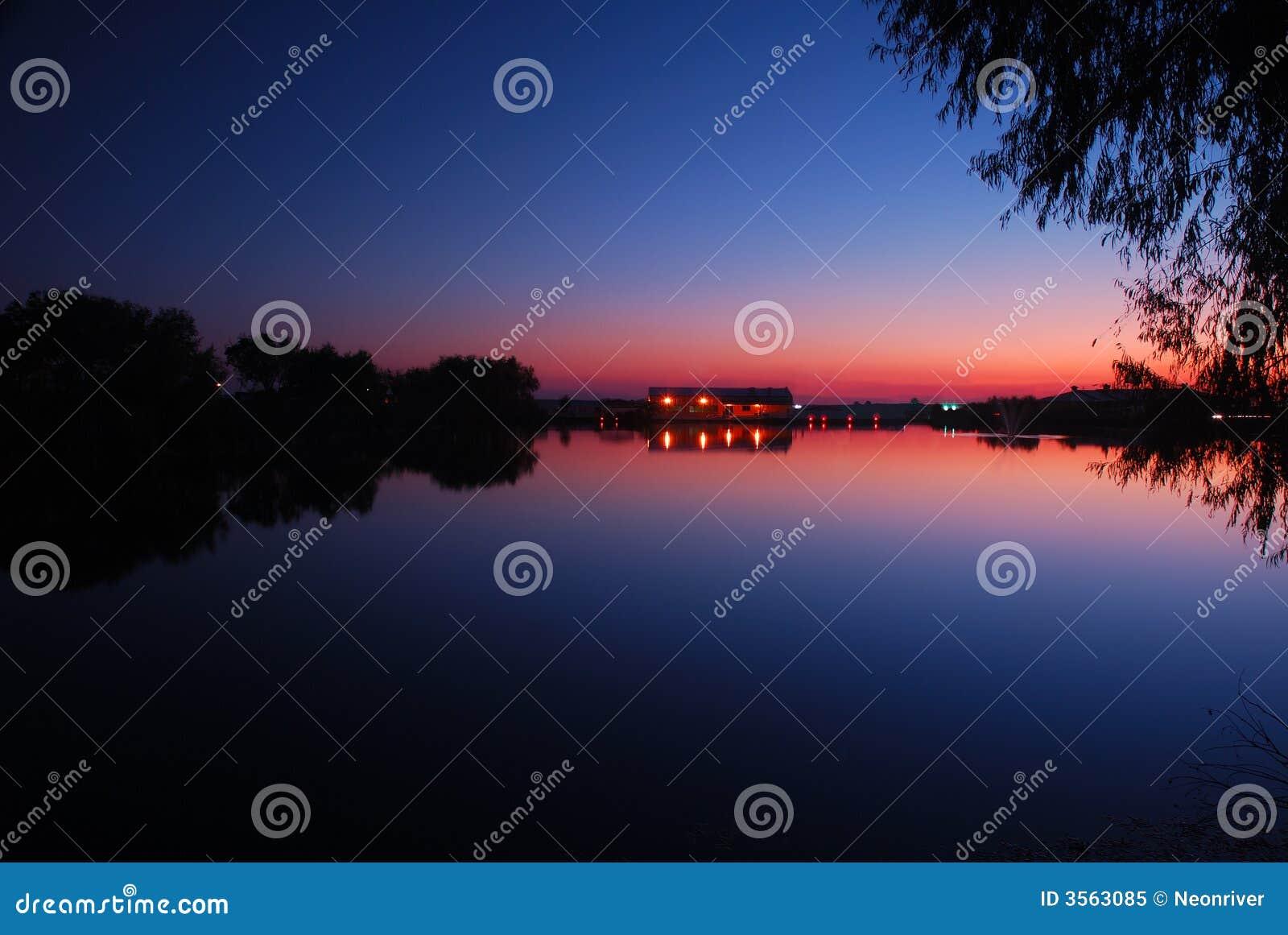 Ricorso della riva del lago