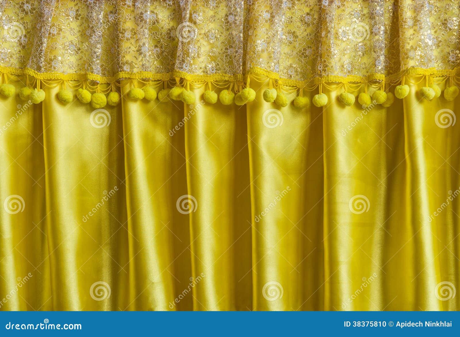 rideau jaune en tissu photo stock image du lumineux 38375810. Black Bedroom Furniture Sets. Home Design Ideas