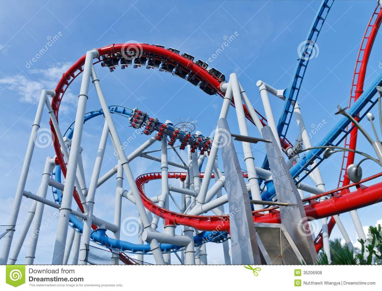 Rides At UNIVERSAL STUDIOS SINGAPORE Editorial Stock Photo ...