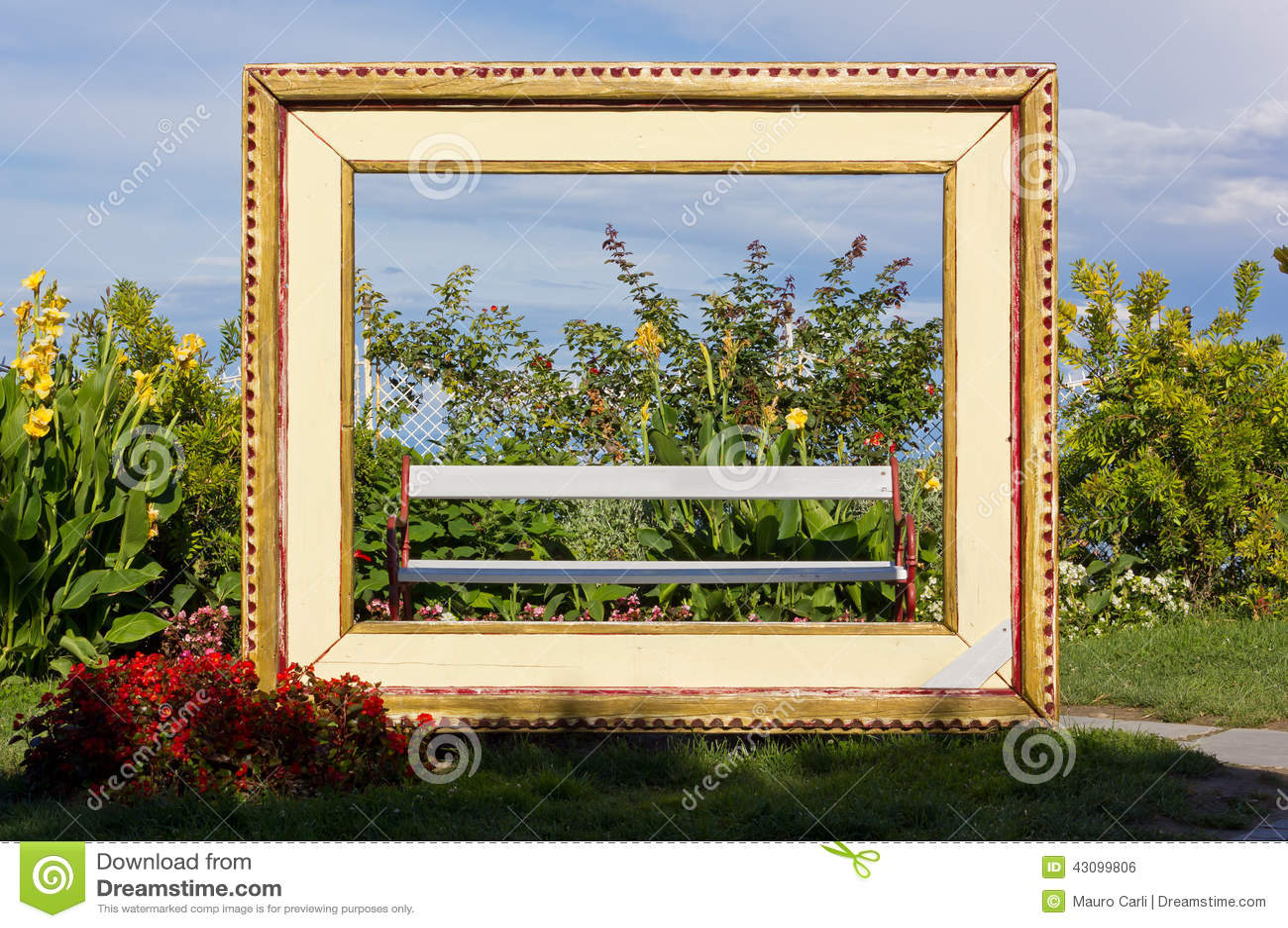 Riesiger Rahmen Für Lebende Malerei Stockfoto - Bild von einstellung ...