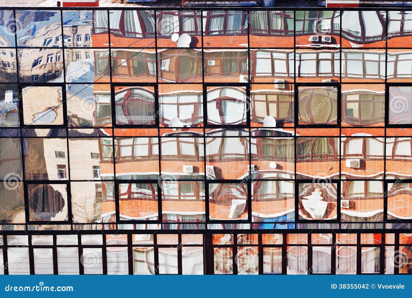 Riflessione della casa con mattoni a vista in parete di for Planimetrie della casa di gambrel