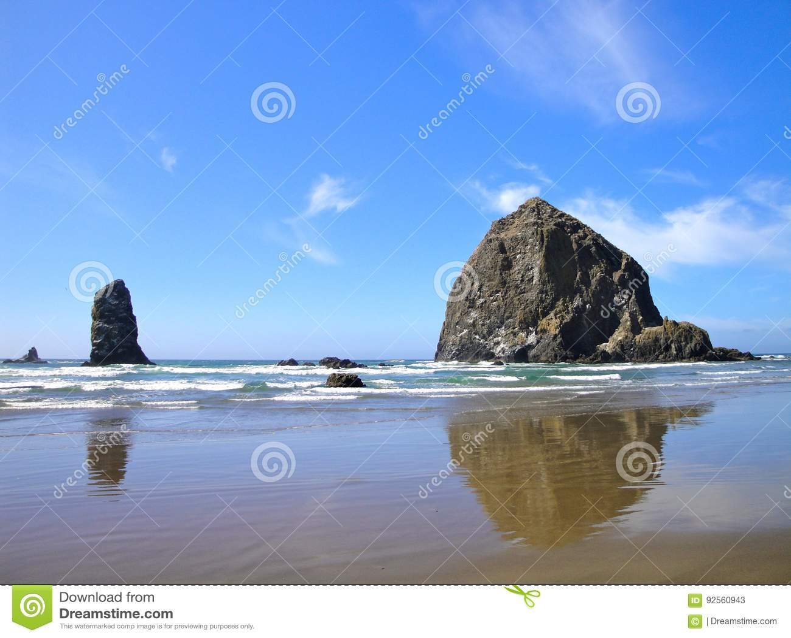 Riflessioni della roccia del mucchio di fieno