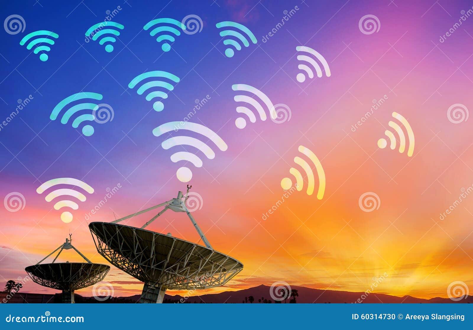 Riflettore parabolico che riceve il segnale di dati per la comunicazione