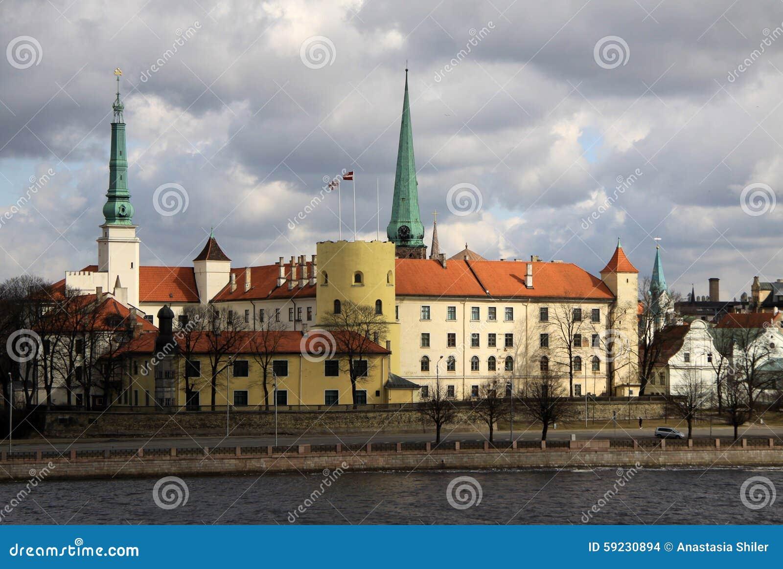 Riga för uppehåll för slottlatvia gammal president town Slotten är en uppehåll för en president av Lettland (gammal stad, Riga, L
