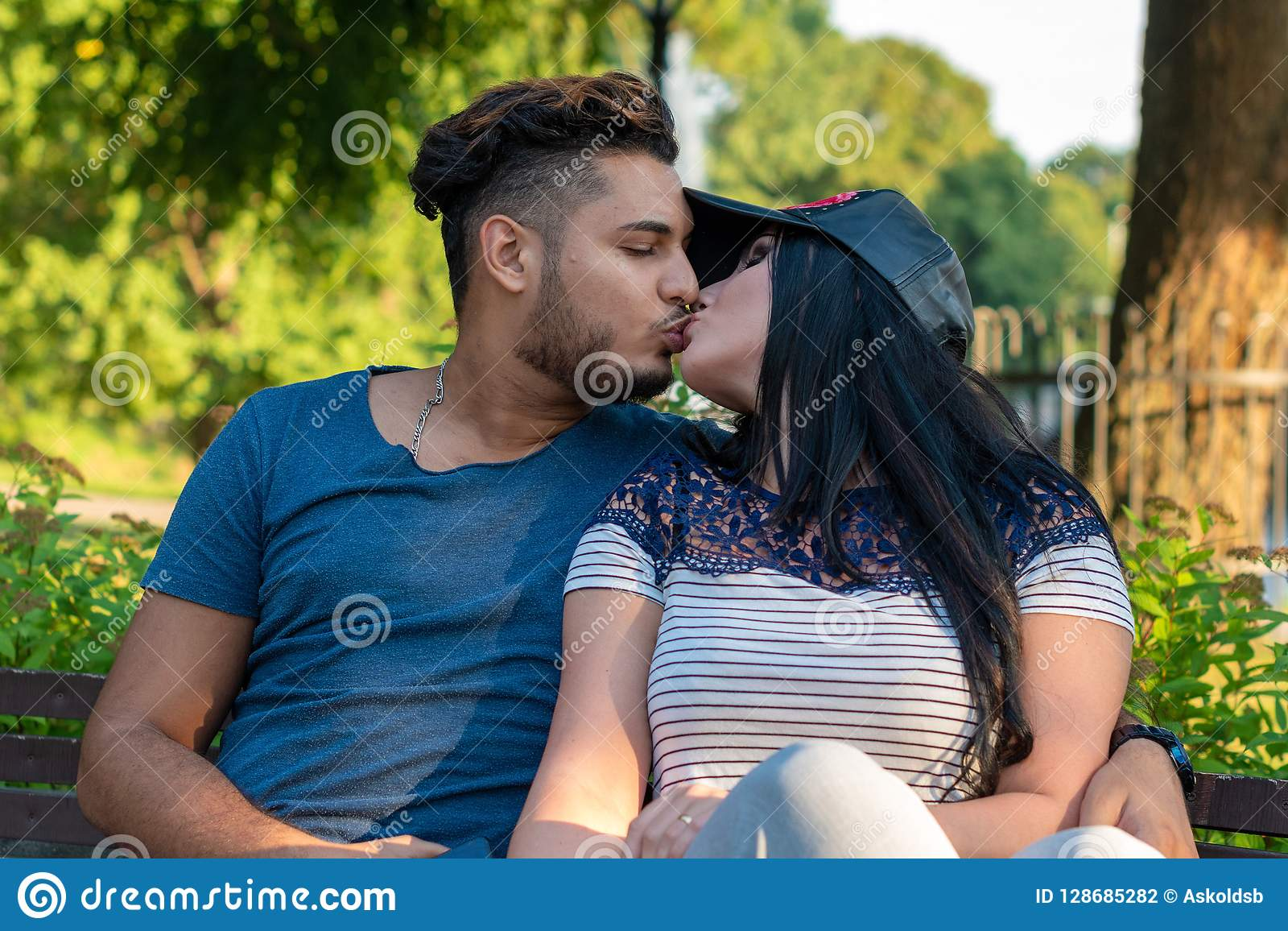 Dating side riga 10 ting som daterer noen med angst