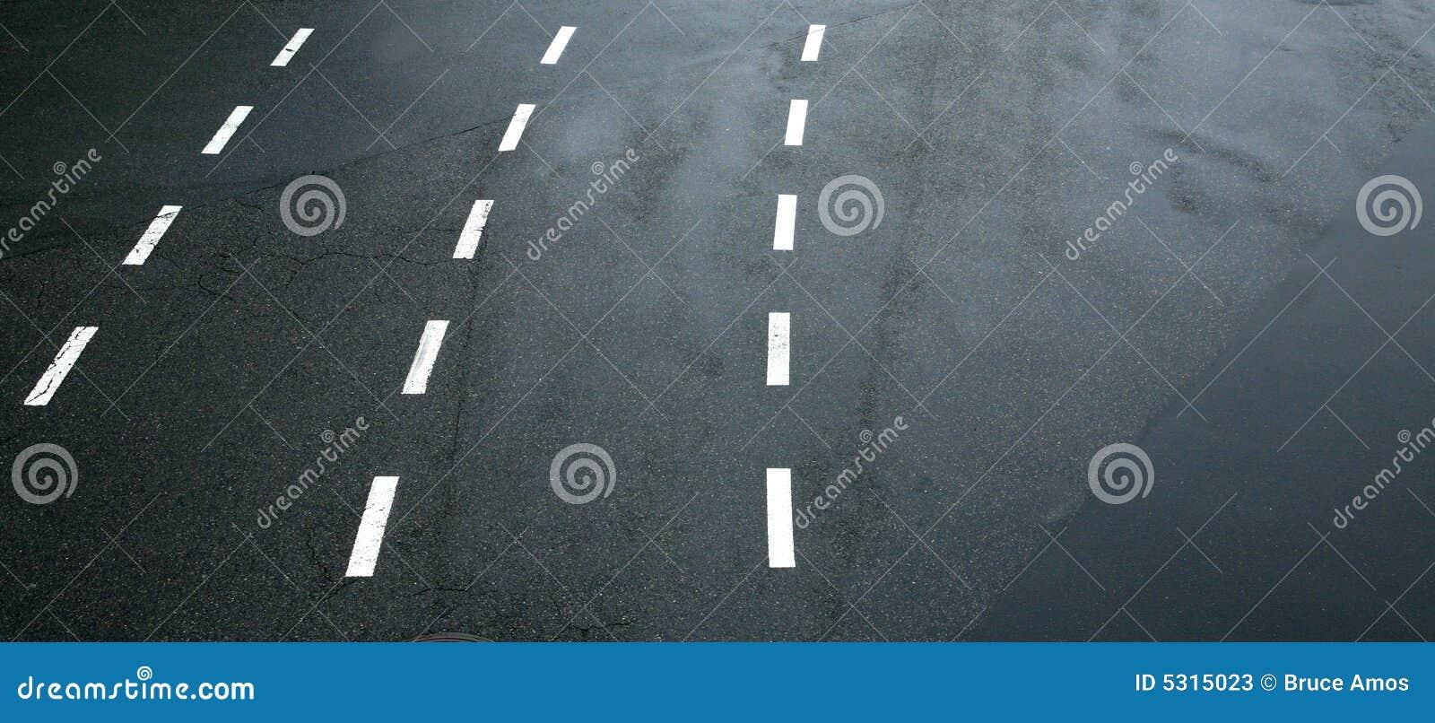 Download Righe Di Traffico Su Asfalto Immagine Stock - Immagine di bande, pavimentazione: 5315023