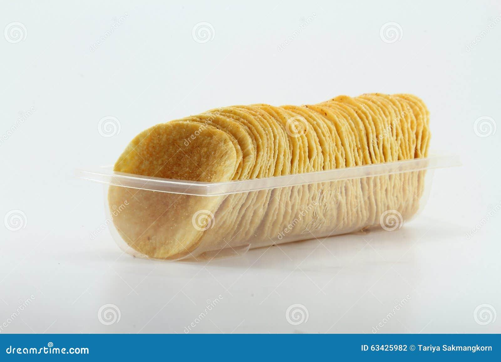 Rij van Aardappel Chips In Clear Tray