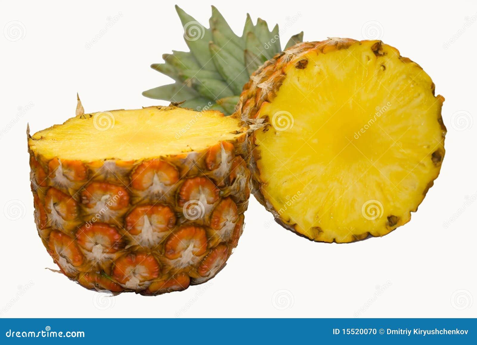 Rijpe ananas witte achtergrond