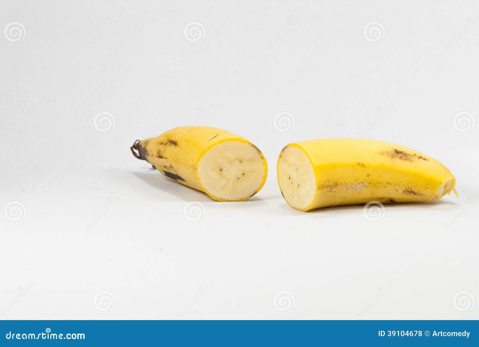 Rijpe banaan op witte achtergrond