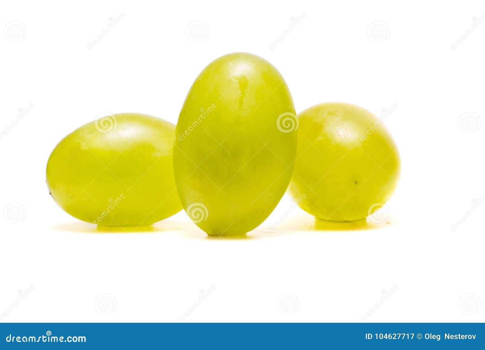 Download Rijpe En Schone Druiven Op Een Witte Achtergrond Stock Afbeelding - Afbeelding bestaande uit druiven, vegetariër: 104627717