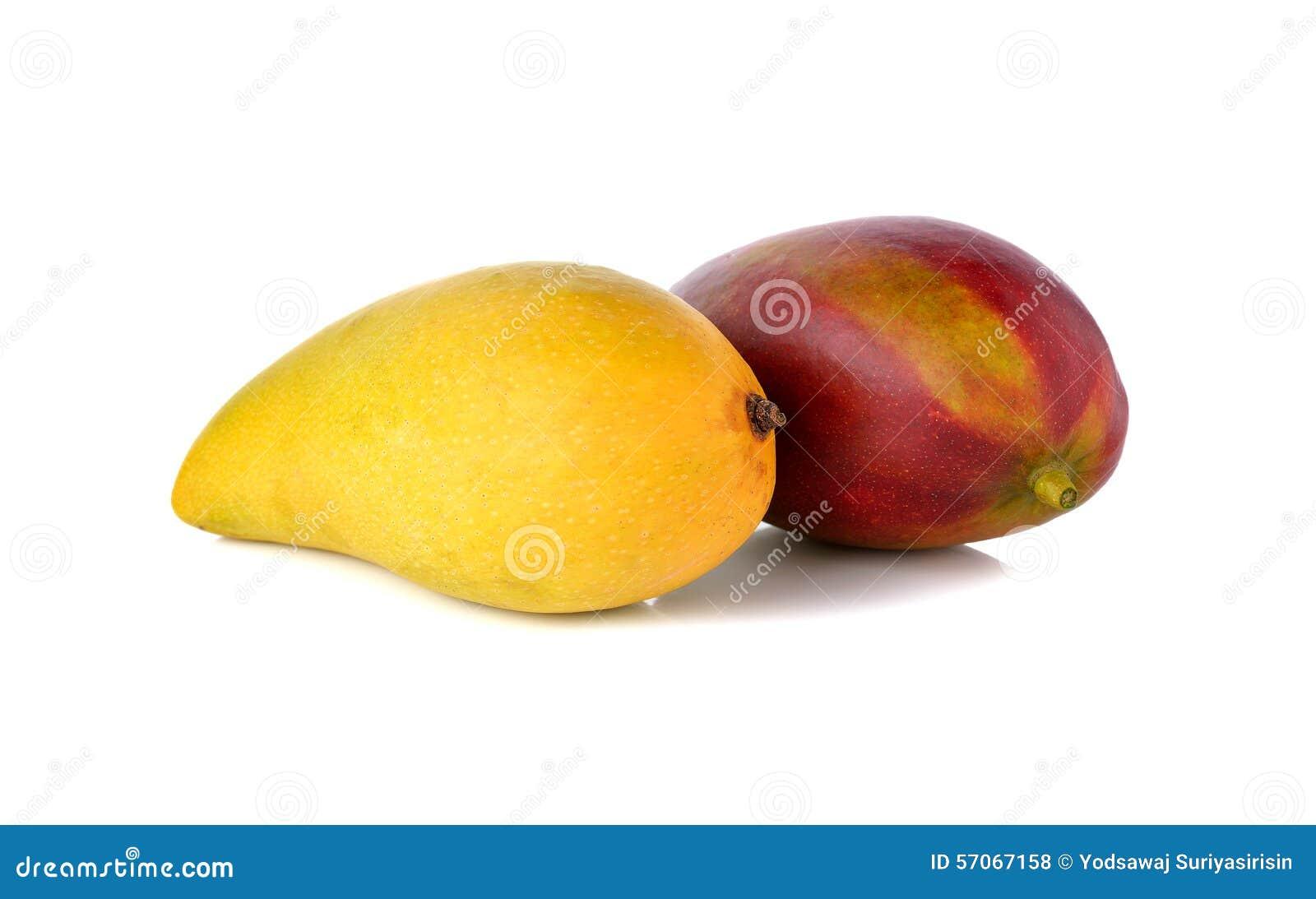 Rijpe mango op witte achtergrond