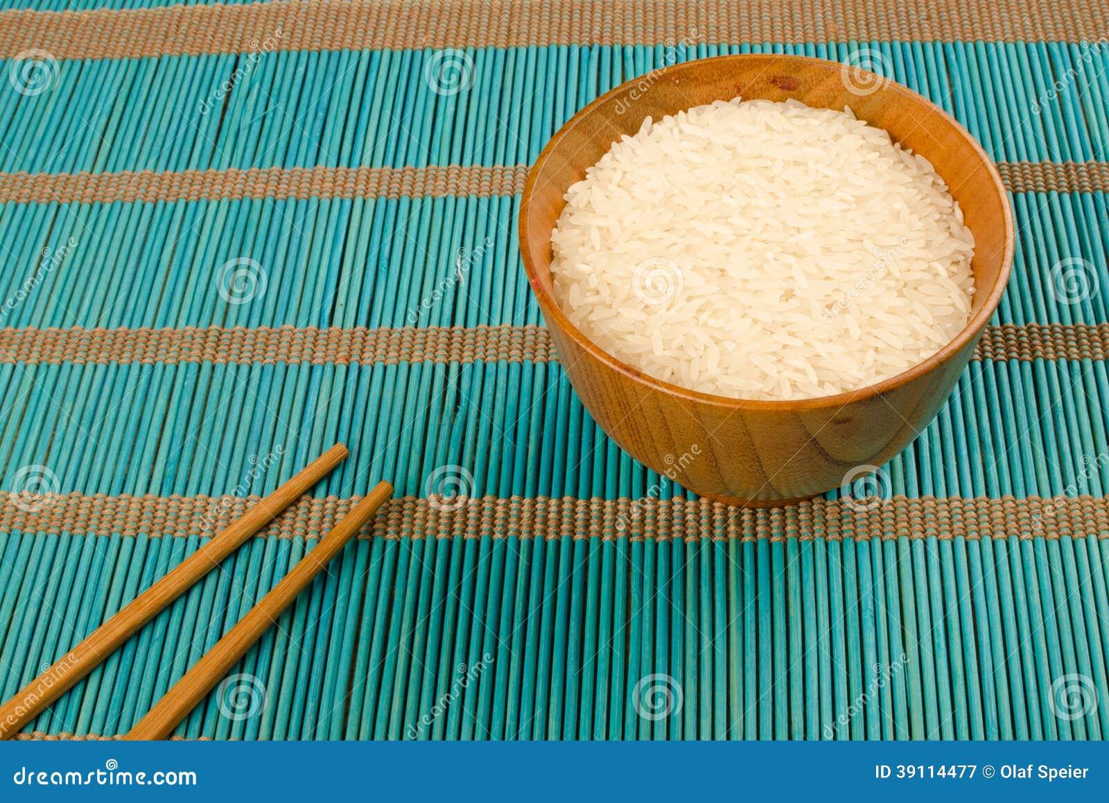 Rijst en eetstokjes