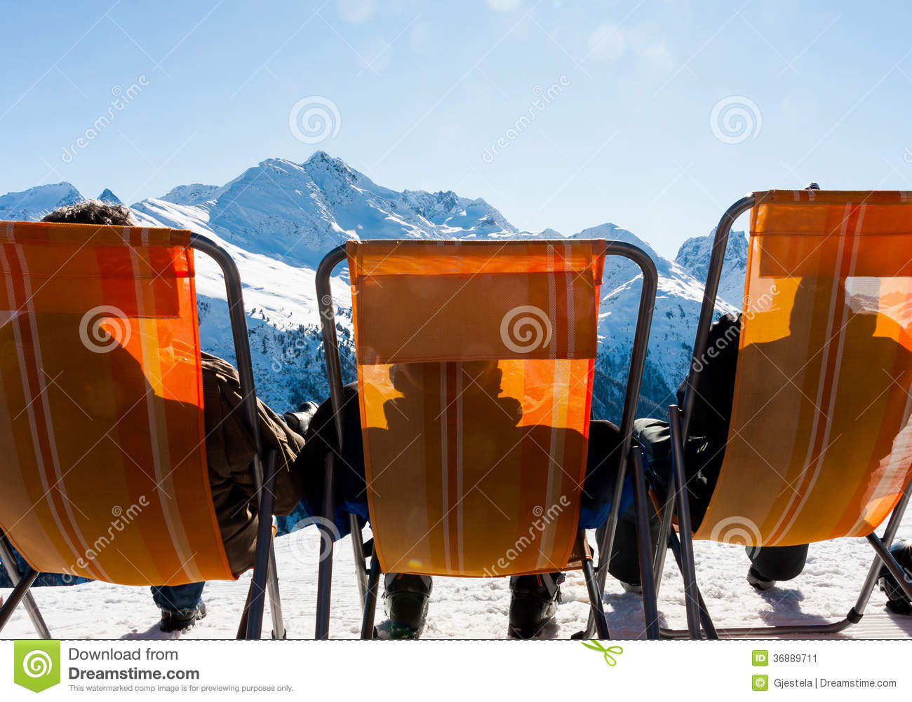 Download Rilassi immagine stock. Immagine di austria, skiing, vista - 36889711