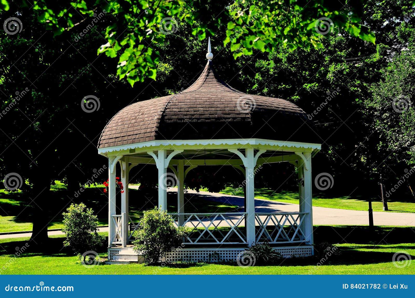 Kiosque En Bois Hexagonal rindge, nh : kiosque à musique de village green photographie