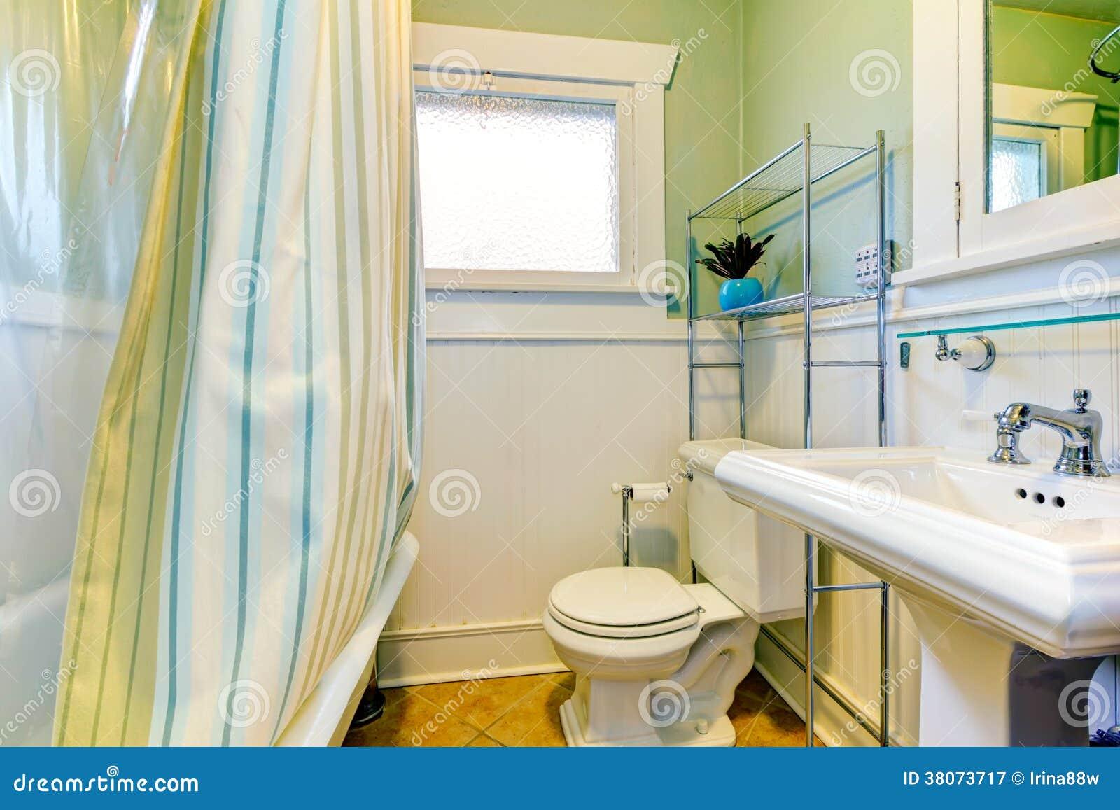 Rinfresco del bagno verde e bianco fotografia stock libera da diritti immagine 38073717 - Bagno arancione e bianco ...