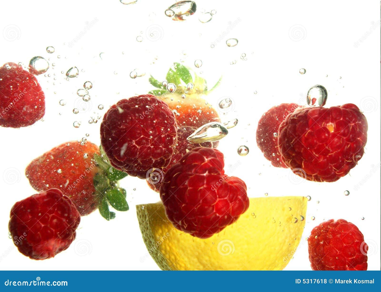 Download Rinfresco della frutta fotografia stock. Immagine di limone - 5317618