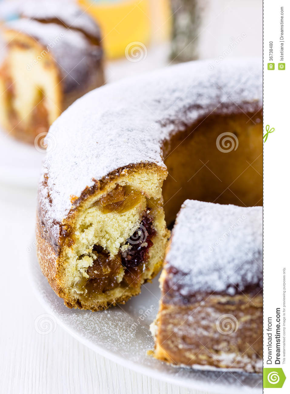 Cake With Icing Sugar : Ring Cake With Icing Sugar Stock Photo - Image: 36738480