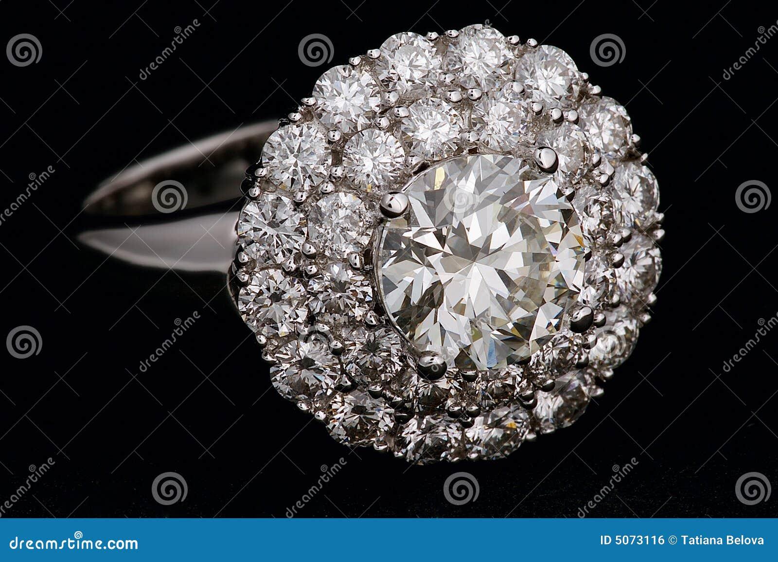 Ring met diamanten