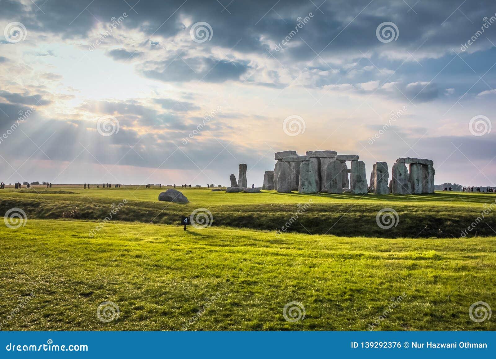 Stonehenge was passed by sun