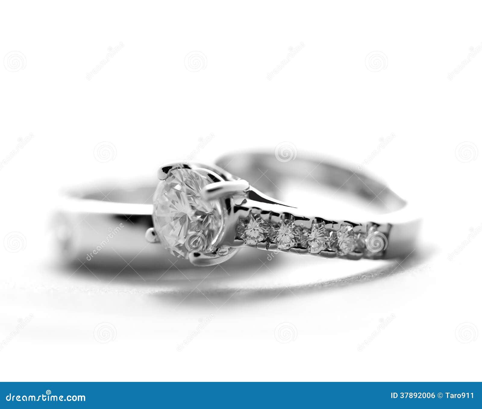 Ringe der diamantenen Hochzeit
