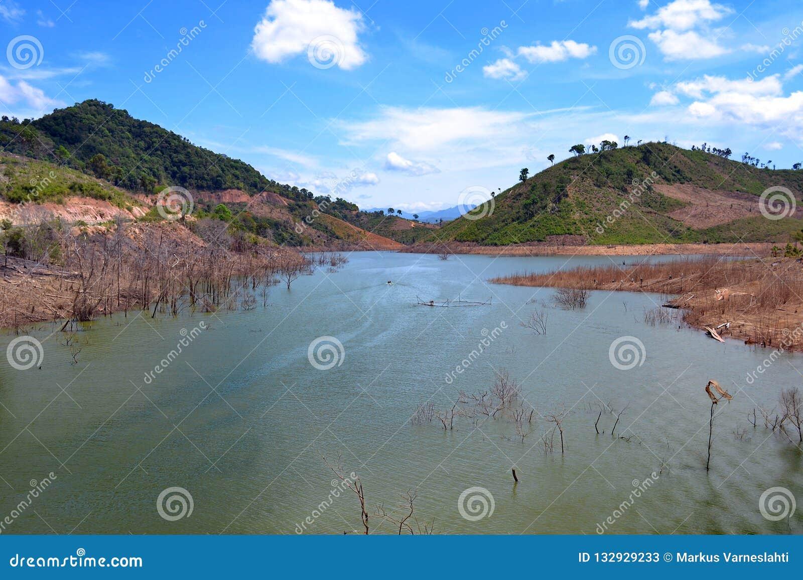 Rio remoto em Vietname central