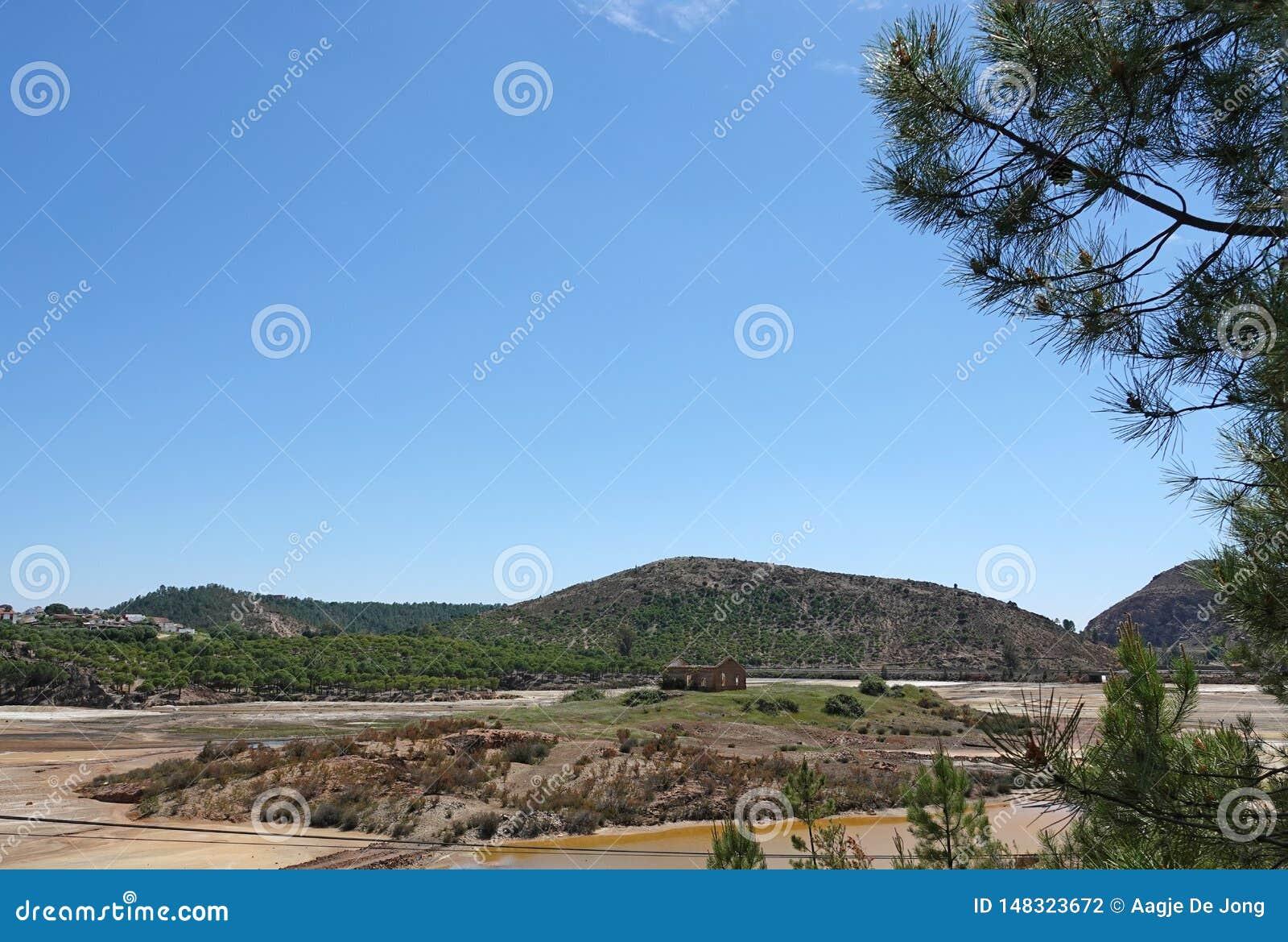 Rio Tinto-landschap dichtbij Nerva in Spanje