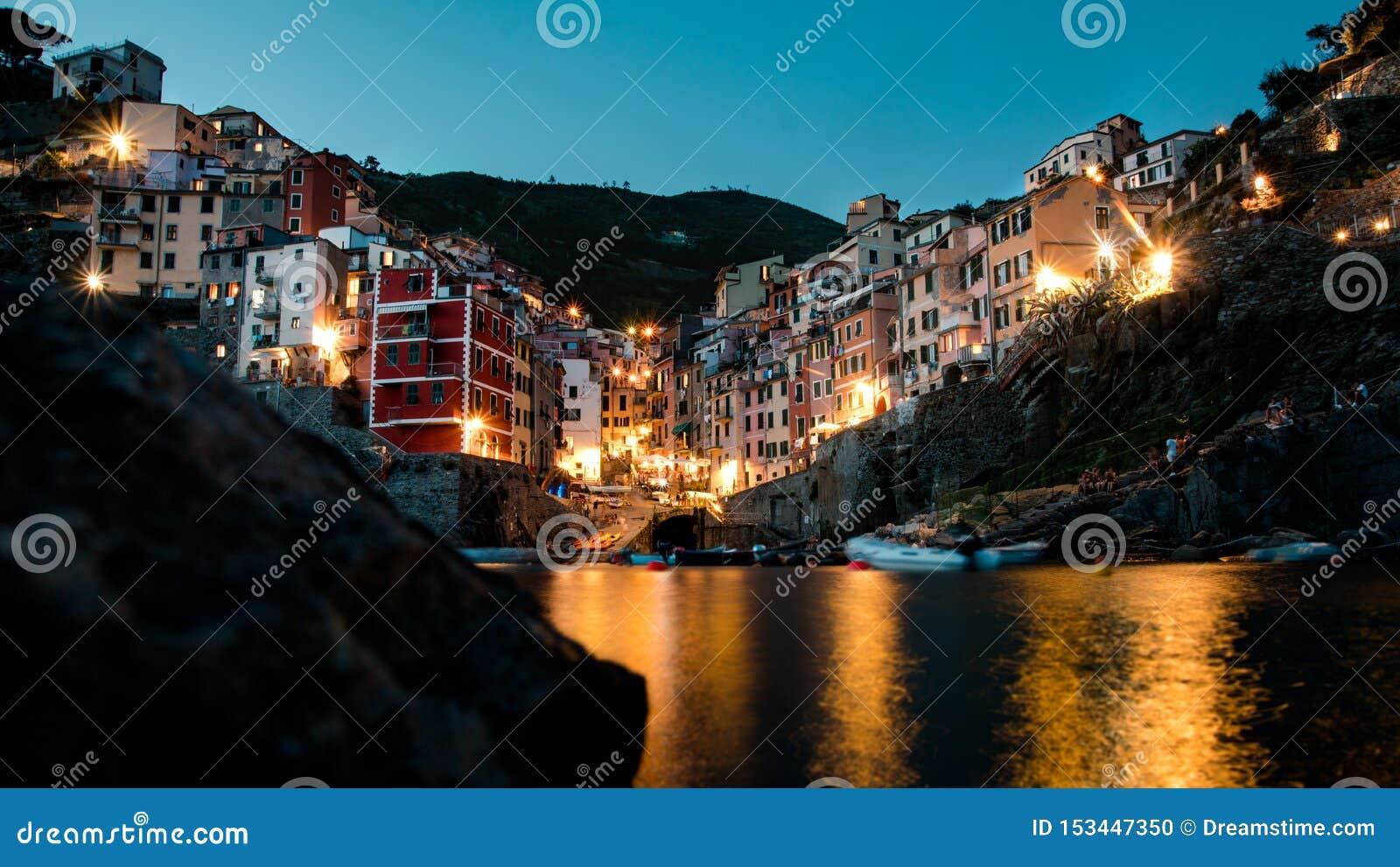 Riomaggiore cinque terre niskiego kąta ujawnienia długa noc