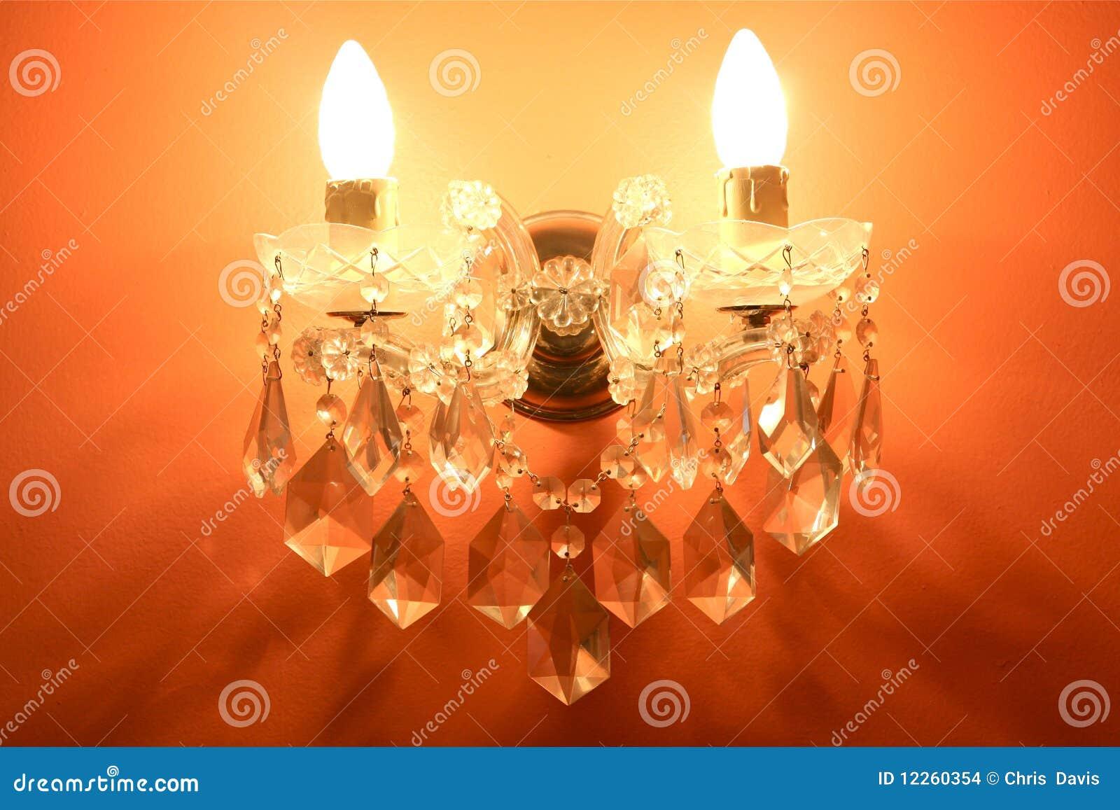 Lampadario Allaperto : Riparo del lampadario a bracci fotografia stock immagine di
