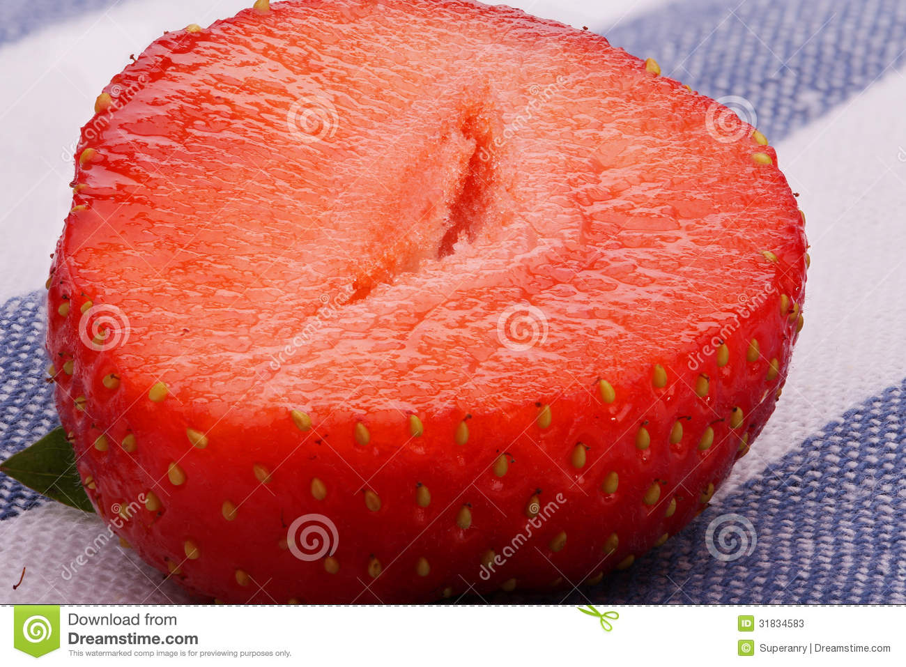how to cut up strawberries