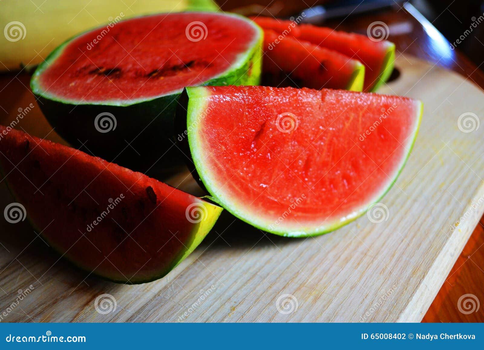 taste of melon Kajari melon, cucumis melo,  the taste of the kajari is a sweet cross of a honey dew and a cantaloupe  baker creek heirloom seeds.