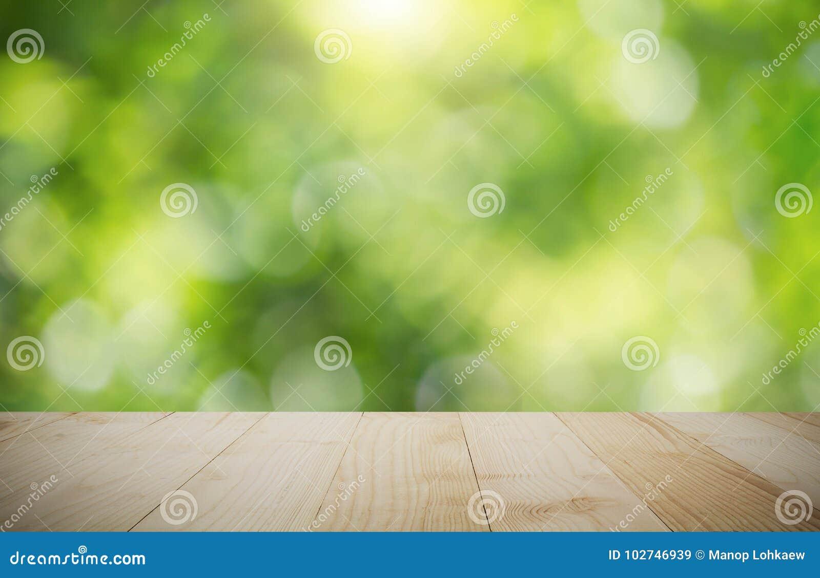 Ripiani In Legno Per Tavoli : Ripiano del tavolo di legno d annata sul fondo verde vago del