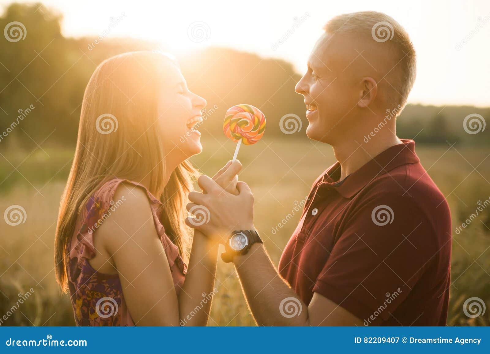 Risa del hombre y de la mujer