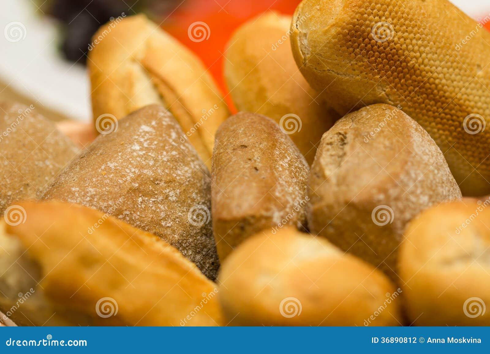 Download Riscaldi il pane fotografia stock. Immagine di francese - 36890812