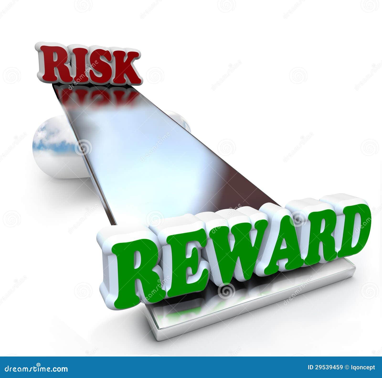 Risco contra a comparação da recompensa na rentabilidade do investimento do equilíbrio