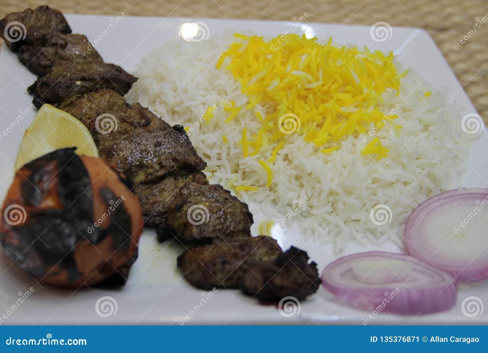 Riso arabo di biryani di kebab