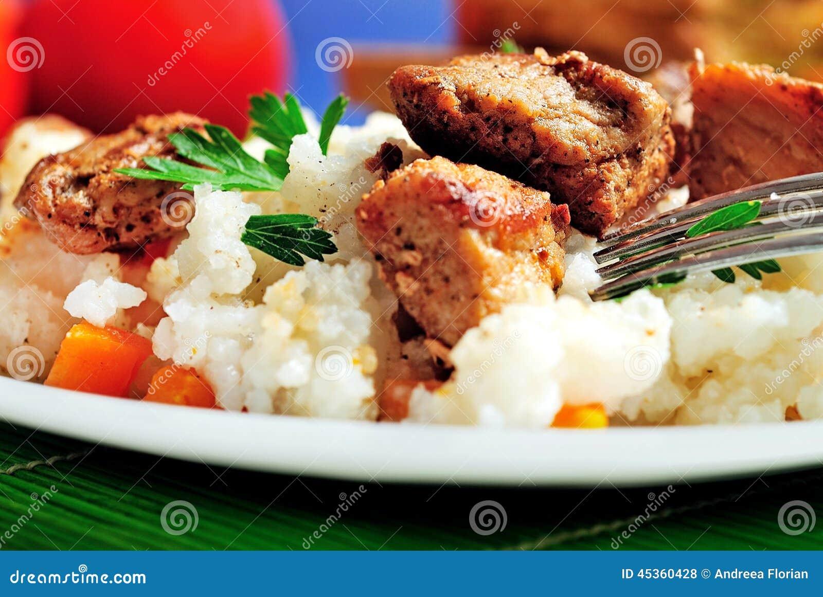 Risotto avec de la viande